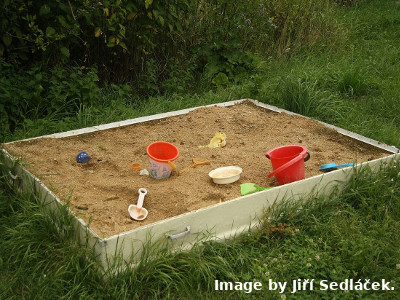 Sandbox_near_way_of_the_cross_in_Jiřice_u_Moravských_Budějovic,_Znojmo_District.jpg