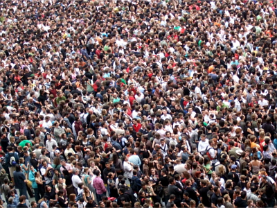Crowd2_0.jpg